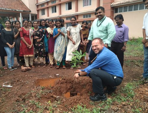 CNPRC Scientists Abroad: Dr. Koen Van Rompay Lectures on Vector Borne Diseases in India